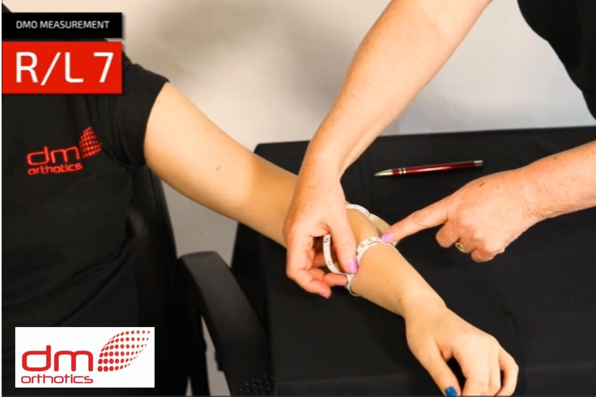 Taking arm measurement for glove fabric orthosis